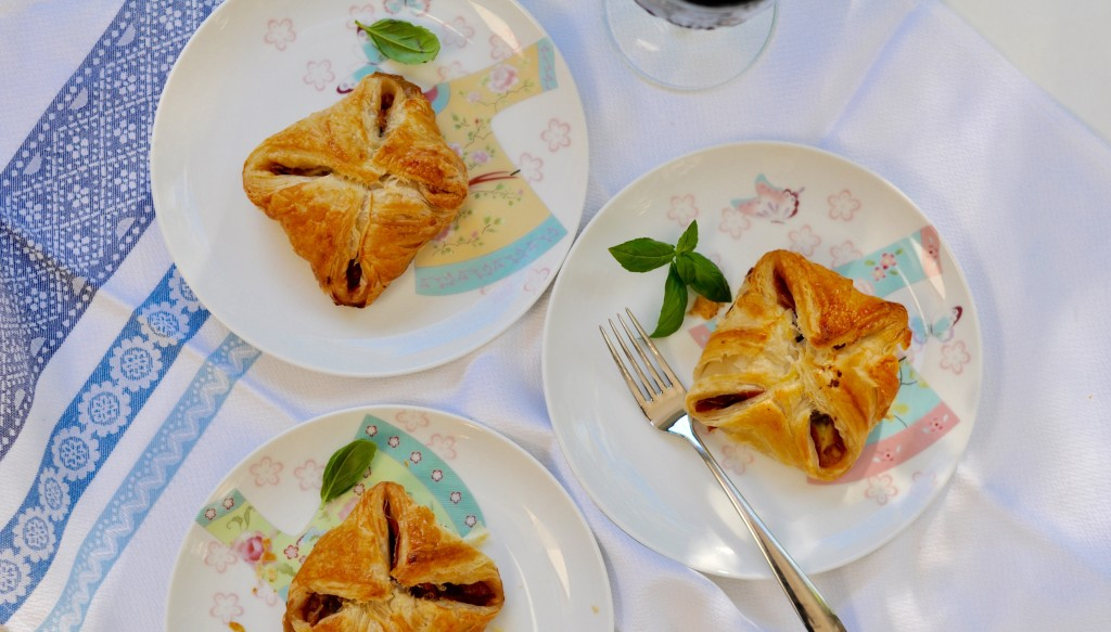 Three plates with Wellington parcels